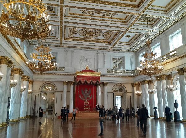 Монархия в современной России. Возможно ли восстановление монархии в Российской Федерации?